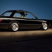 BMW E30 ночью