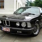 BMW 7 черная