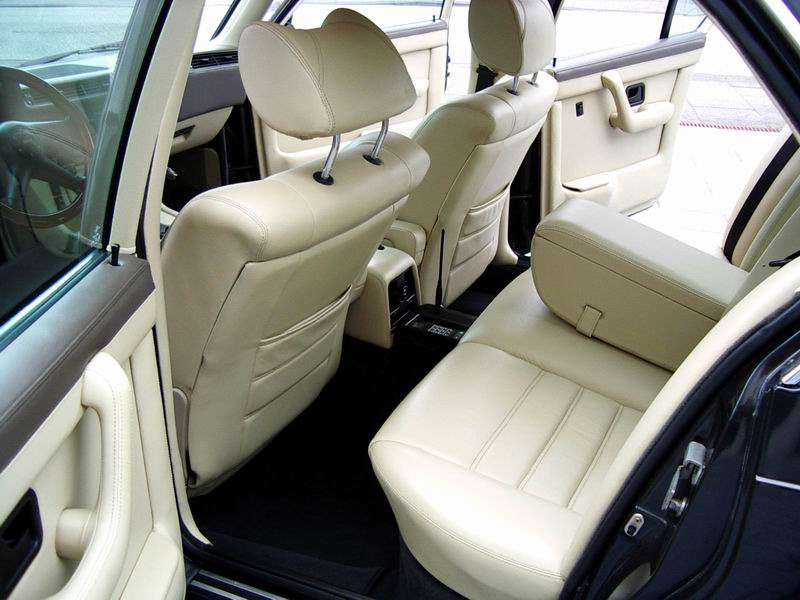 BMW семерка