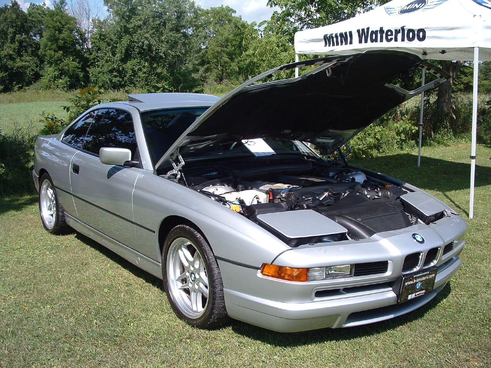 BMW 8 series E31 серебряная