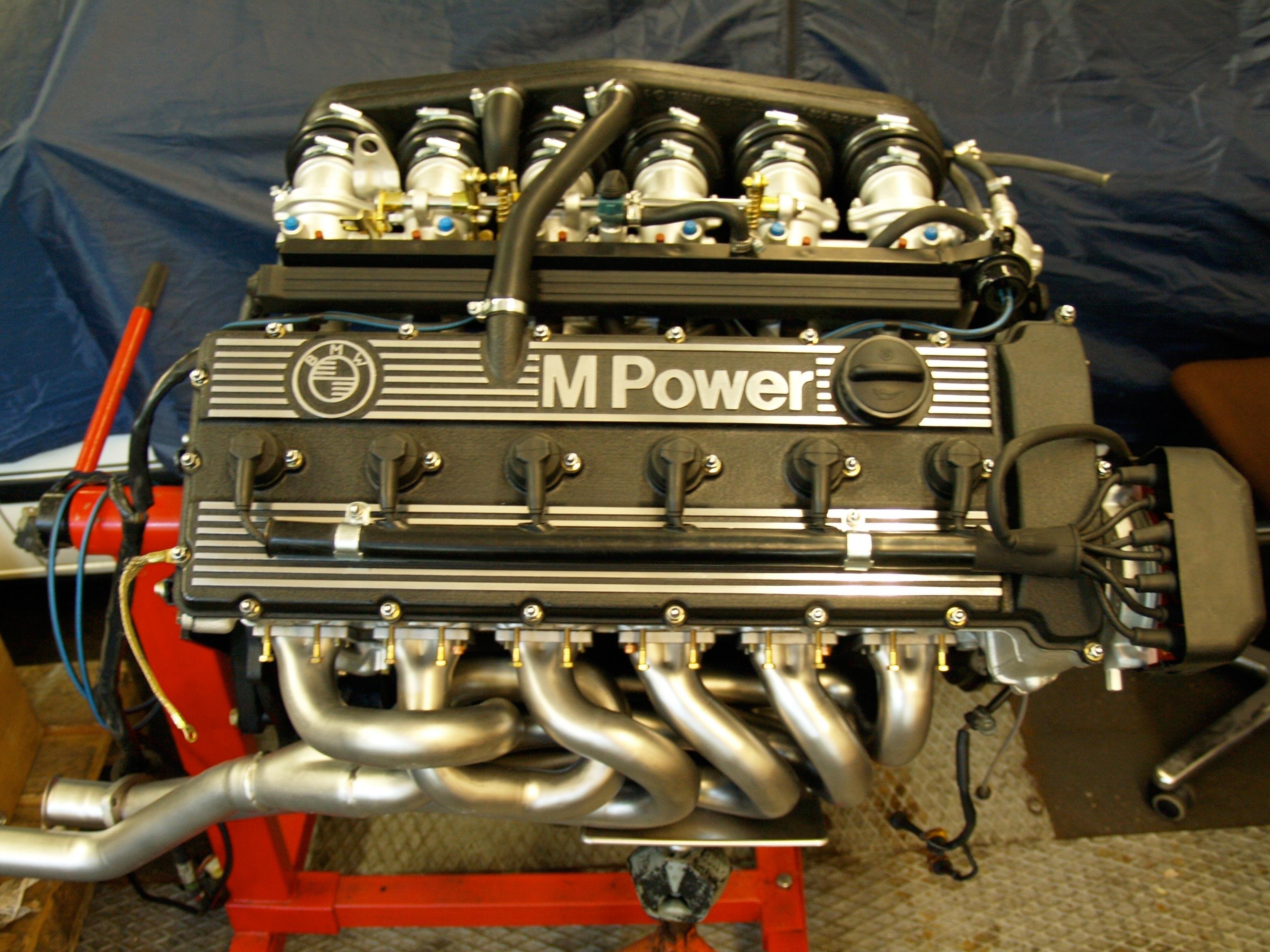 BMW M5 E28 двигатель