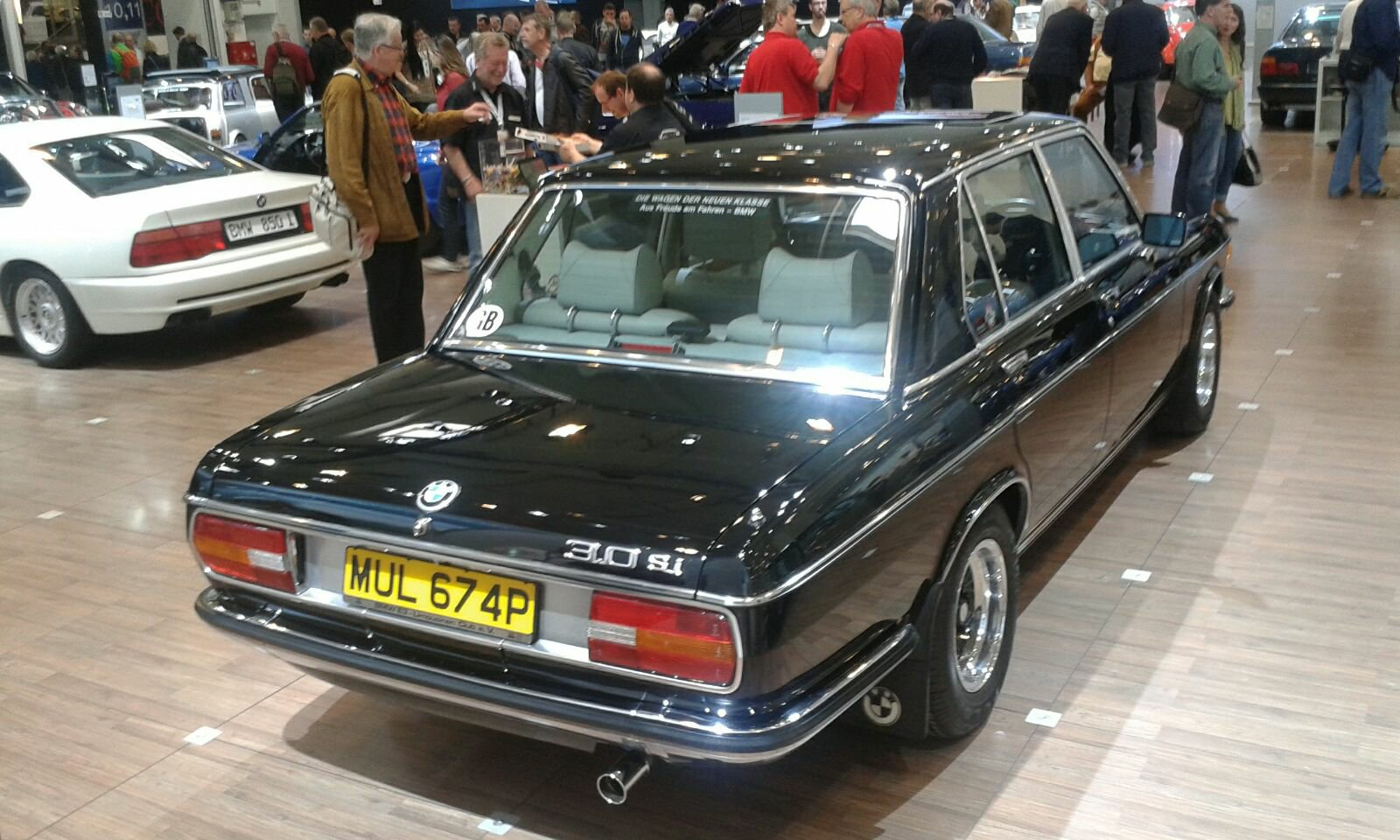 BMW e3 black