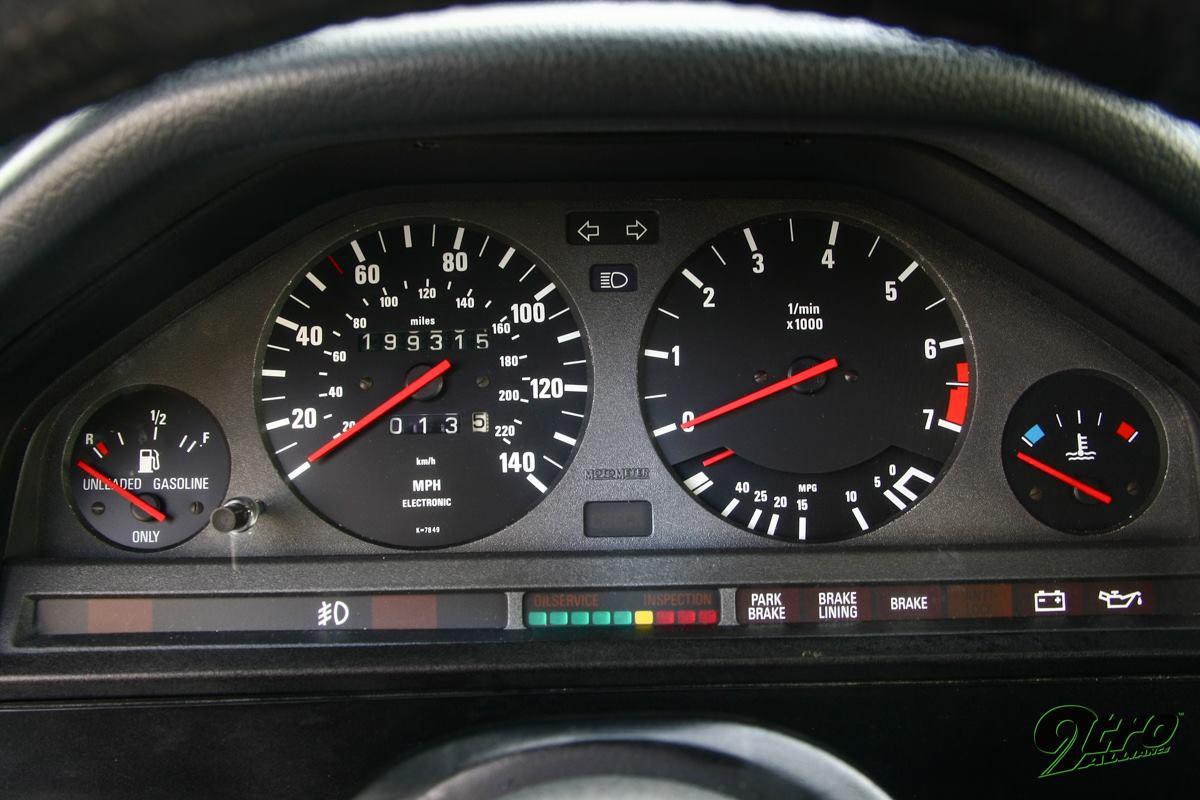 BMW Alpina C2 2.7 e30 priborka