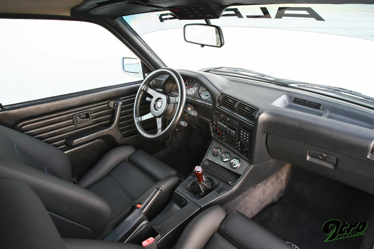 BMW Alpina C2 2.7 e30 salon