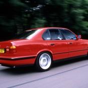 BMW M5 E34 красная