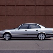 BMW M5 E34 серебро