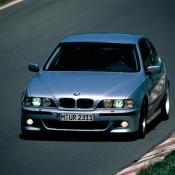 BMW M5 E39 на дороге