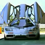 McLaren F1 открытве двери