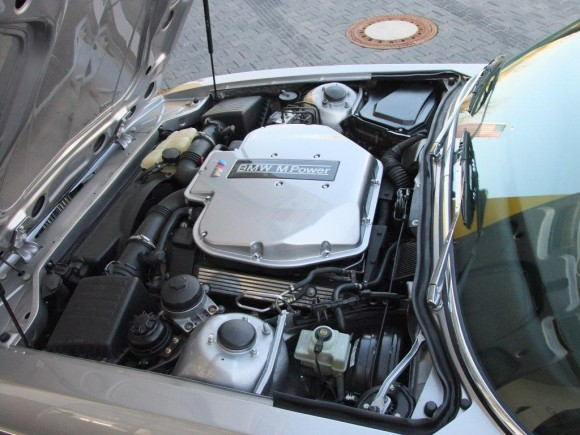 BMW E9 M5 двигатель