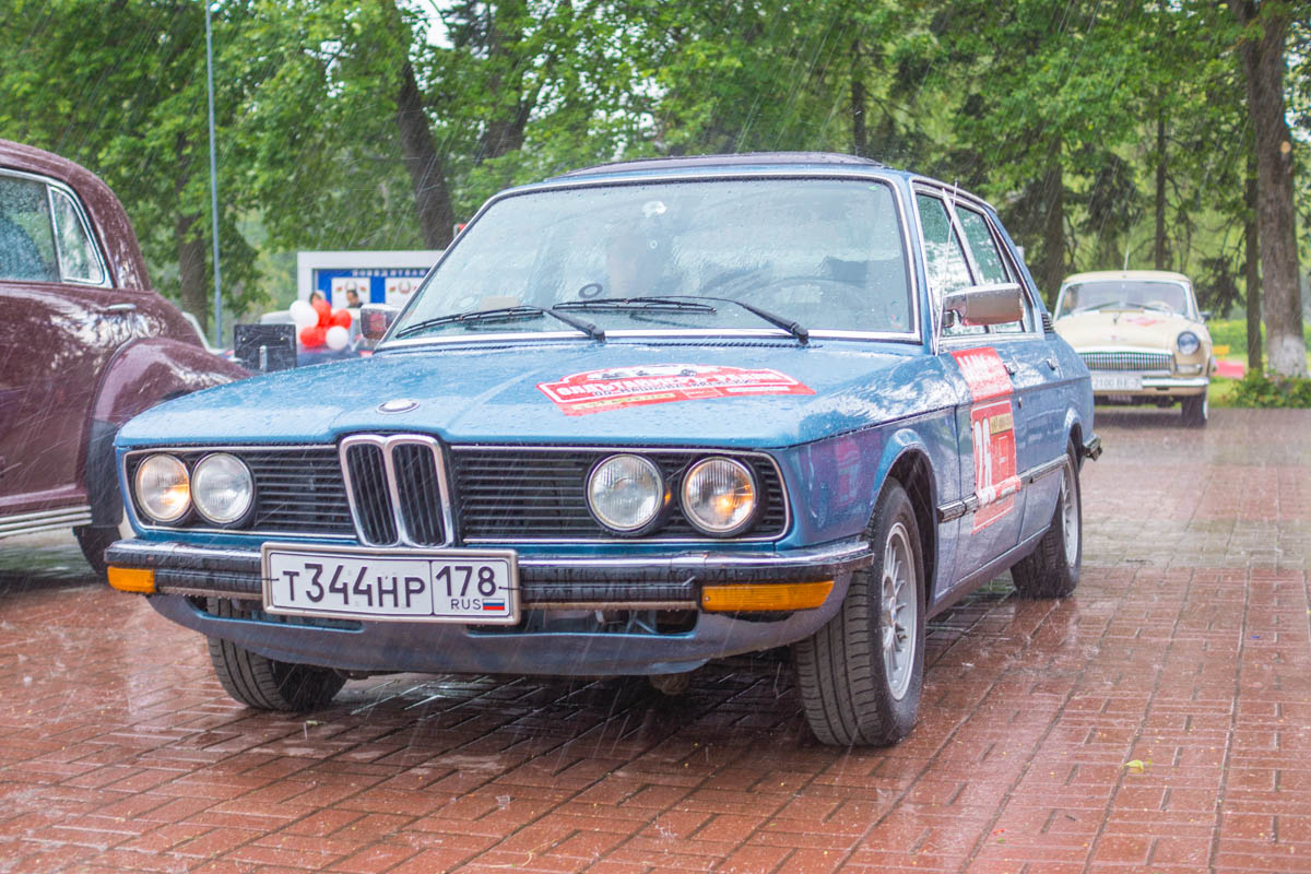 retro rally belarus BMW E12 5